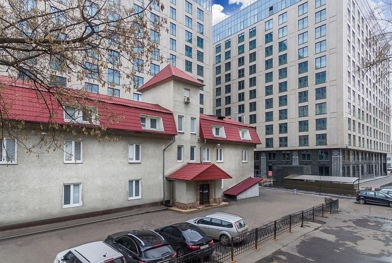 Проход и проезд к отелю рядом с метро Маяковская